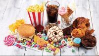 El CAC alerta de la sobreexposició dels menors a la publicitat d'aliments alts en greix, sucre o sal dels influencers