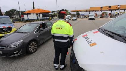 Controls policials a l'AP-7 pel confinament comarcal