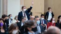 Juan Garriga, portaveu de Vox al Parlament, demana la paraula