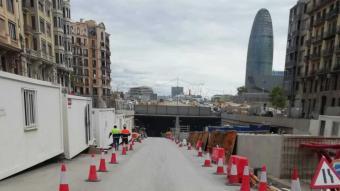 Vista d'obres als treballs a la plaça de les Glòries