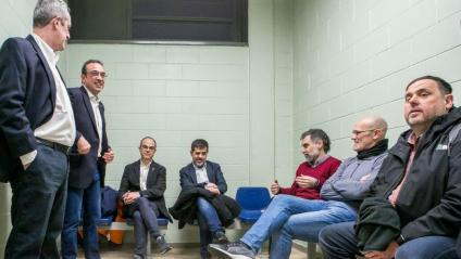 Els set presos polítics esperant a Lledoners per ser traslladats a Madrid, el 2019