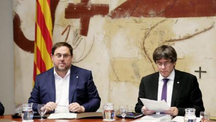 Oriol Junqueras i Carles Puigdemont en una imatge d'una reunió del consell executiu l'octubre de 2017