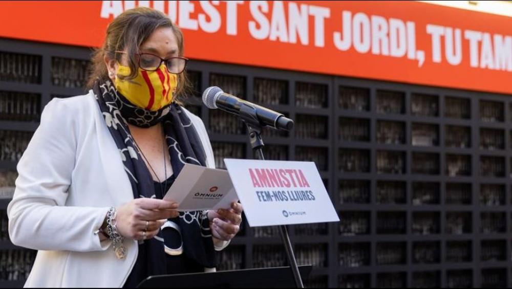 Elena Fort llegint el poema de Joan Margarit