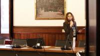 La diputada i negociadora d'ERC Laura Vilagrà, dins d'una de les sales del Parlament