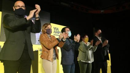 Romeva, Forcadell, Aragonès, Bassa i Junqueras en l'acte de final de campanya d'ERC de les eleccions del 14-F