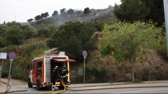 Petit incendi forestal a Collserola, a tocar del barri de Canyelles