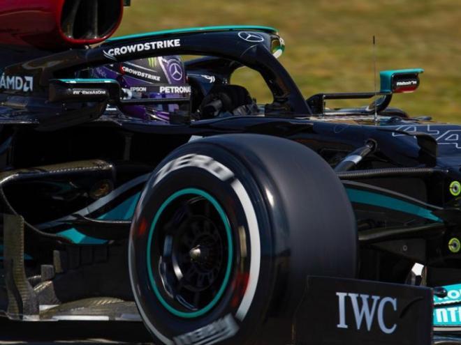 Hamilton en els entrenaments del circuit Barcelona-Catalunya
