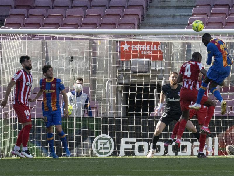Dembélé va tenir a tocar el gol de la victòria, però la  seva rematada de cap va sortir alta