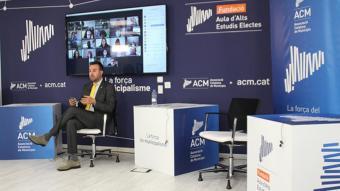 El president de l'ACM, i alcalde de Deltebre, Lluís Soler, en el debat