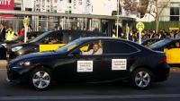 """Els taxistes faran una marxa lenta pel centre de Barcelona el 20 de maig contra el que consideren les """"constants irregularitats"""" de Cabify"""