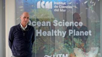 Pelegrí a la seu de l'Institut de Ciències del Mar, ubicat a la Barceloneta, a primera línia de mar