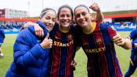 Vicky Losada (366 partits oficials), Marta Torrejón (300) i Alèxia Putellas (342), d'esquerra a dreta, són tres de les cinc futbolistes de la història del Barça amb més partits disputats, darrere de Melanie Serrano, actual- ment també en la plantilla, i l'exblau- grana Marta Unzué, tercera en el rànquing. A la imatge, Losada, Torrejón i Putellas celebrant l'accés a la final de la Champions el dia del triomf contra el PSG