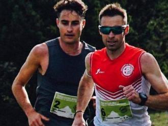 Hernández liderant la cursa amb Domènech