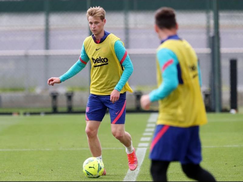 De Jong i Messi, en l'entrenament d'ahir