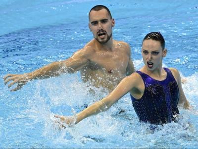 Pau Ribes i Emma Garcia, durant l'actuació d'ahir