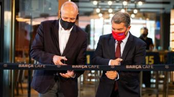 Laporta talla la cinta del nou Barça Cafè