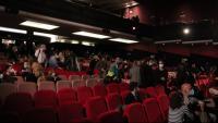 Pla general del públic de la sala del Teatre Apolo el dia de la reobertura –el passat 18 de març– després de dos anys tancat