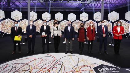 Imatge de grup dels nou candidats a la presidència de la Generalitat a les eleccions del 14 de febrer abans del debat electoral celebrat a 'La Sexta'