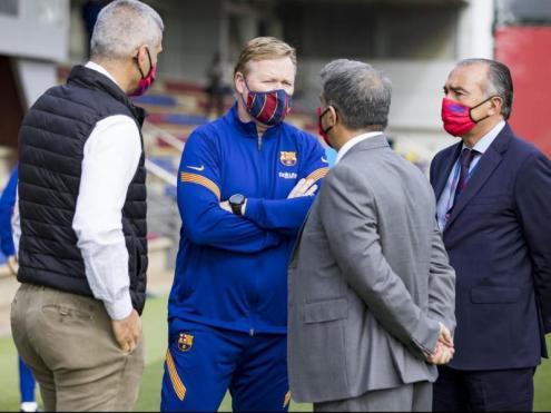 Laporta, Yuste i Masip parlen amb Koeman a la ciutat esportiva