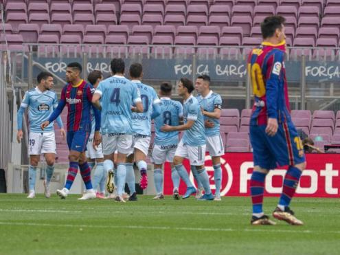 Els jugadors del Celta celebren un dels gols d'ahir al Camp Nou