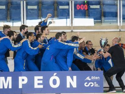 La celebració de l'Atlètic Barceloneta