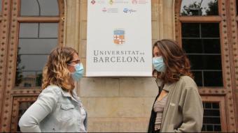 La portaveu del Sindicat d'Estudiants dels Països Catalans, Anna Clua, i la portaveu de la Coordinadora d'Assemblees Interuniversitària, Berta Navarrete