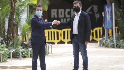 Pere Aragonès i Jordi Sànchez, dilluns abans de presentar l'acord entre ERC i Junts als jardins del Palau Robert de Barcelona