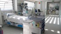 Llits buits en l'annex a l'hospital Germans Trias i Pujol