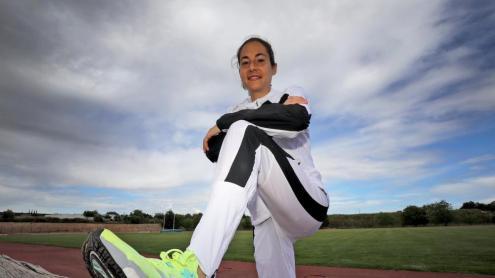 Marta Galimany, a la pista d'atletisme de Valls