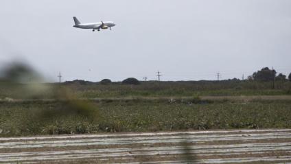 """L'acord tancat preveu que l'afectació de l'ampliació de l'aeroport sobre els espais naturals sigui """"mínima"""""""