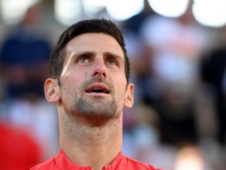 Novak Djokovic, amb el trofeu