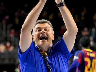 Xavi Pascual celebra la tercera Champions del seu palmarès
