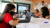 Als alumnes de quart a sisè de l'escola de l'Estany en una classe de STEAM