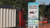 Cartell de delimitació de la Zona de Baixes Emissions a Barcelona