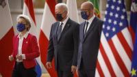 D'esquerra a dreta la presidenta de la Comissió Europea, Ursula Von der Leyen, el president dels Estats Units, Joe Biden, i el president del Consell Europeu, Charles Michel