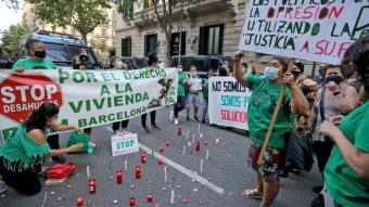 Manifestants a Barcelona reclamant solucions al problema de l'habitatge