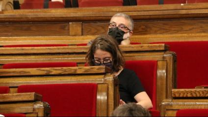 Eulàlia Reguant i Carles Riera (CUP-NCG), durant el ple al Parlament