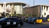 Taxis a l'entrada del recinte de Fira de Barcelona, on es va celebrar la darrera edició del Mobile World Congress, el febrer del 2019