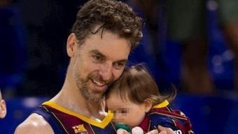 Pau Gasol i la seva filla.