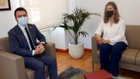 El president de la Generalitat, Pere Aragonès, amb la síndica d'Aran, Maria Vergés, al Conselh Generau el passat dia 11 de juny