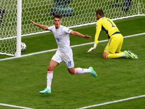 Schick celebra el primer gol de la tarda