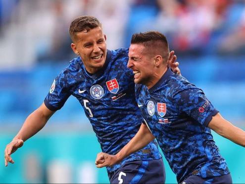 L'eslovè Mak ha plorat després de marcar el primer gol del partit