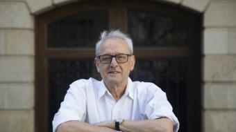 Ràfols, historiador i periodista, va treballar a '<i>El Periódico' </i>i <i>'El País</i>' i després a TV3, on va ser director del telenotícies i dels serveis informatius