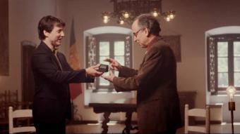 Roberto Forés lliura el premi de música clàssica al compositor Benet Casablancas