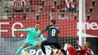 El Girona viu un nou drama a Montilivi i es queda sense l'ascens a primera (0-2)