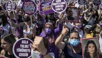 Manifestació dissabte  contra la marxa de Turquia de la Convenció d'Istanbul, que protegeix els drets de les dones