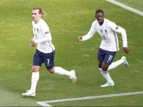 Griezmann i Dembélé just després del gol de l'empat