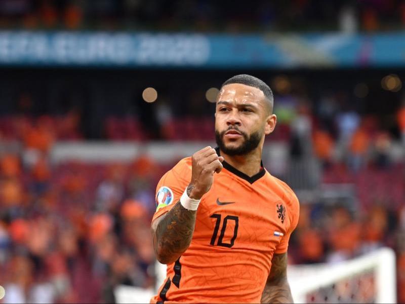 Depay celebra un gol amb Holanda