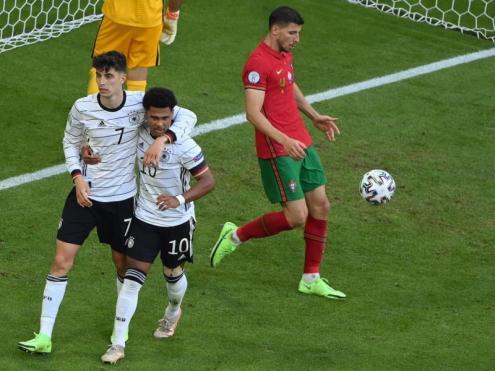 Alemanya aplana el camí per la propera ronda