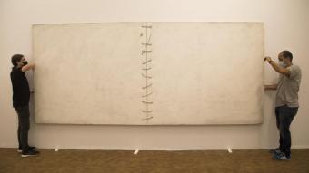 'Gran tela blanca lligada' (1969), una peça extraordinària que ha deixat la col·lecció Maeght